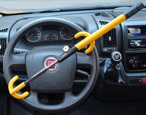 TierXXL Streetwize Lenkradkralle